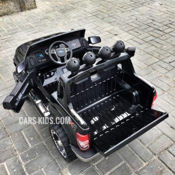 Электромобиль Ford Ranger белый (двухместный, кожа, резина, пульт, музыка, ГЛЯНЦЕВАЯ ПОКРАСКА)
